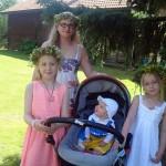 Mamma med sina flickor