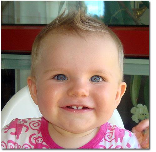 Arndís Sofia Birgitta 8 månader